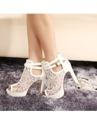 Peep Toe Branco Carollabelly